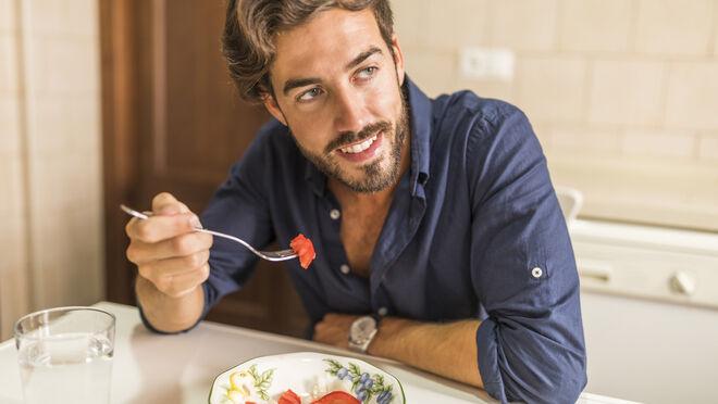 5 hábitos nocivos de alimentación que probablemente desconocías